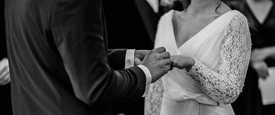 Come scegliere le canzoni perfette per il tuo matrimonio